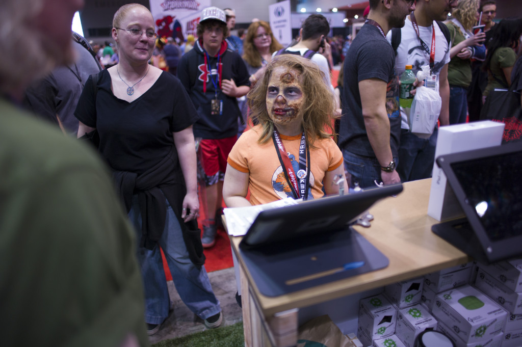 zombie girl at box o zombies booth